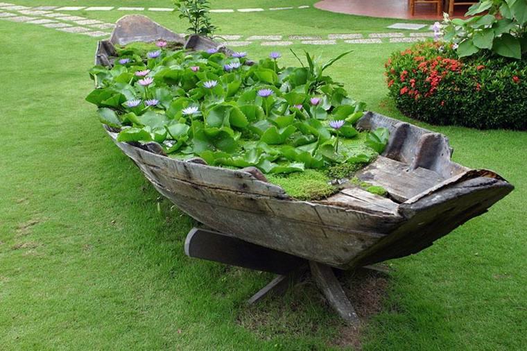 decoración de jardín madera