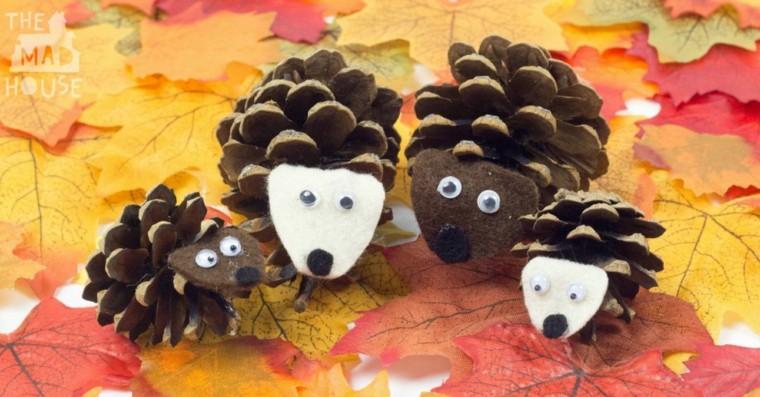 decoración de otoño piñas hojas