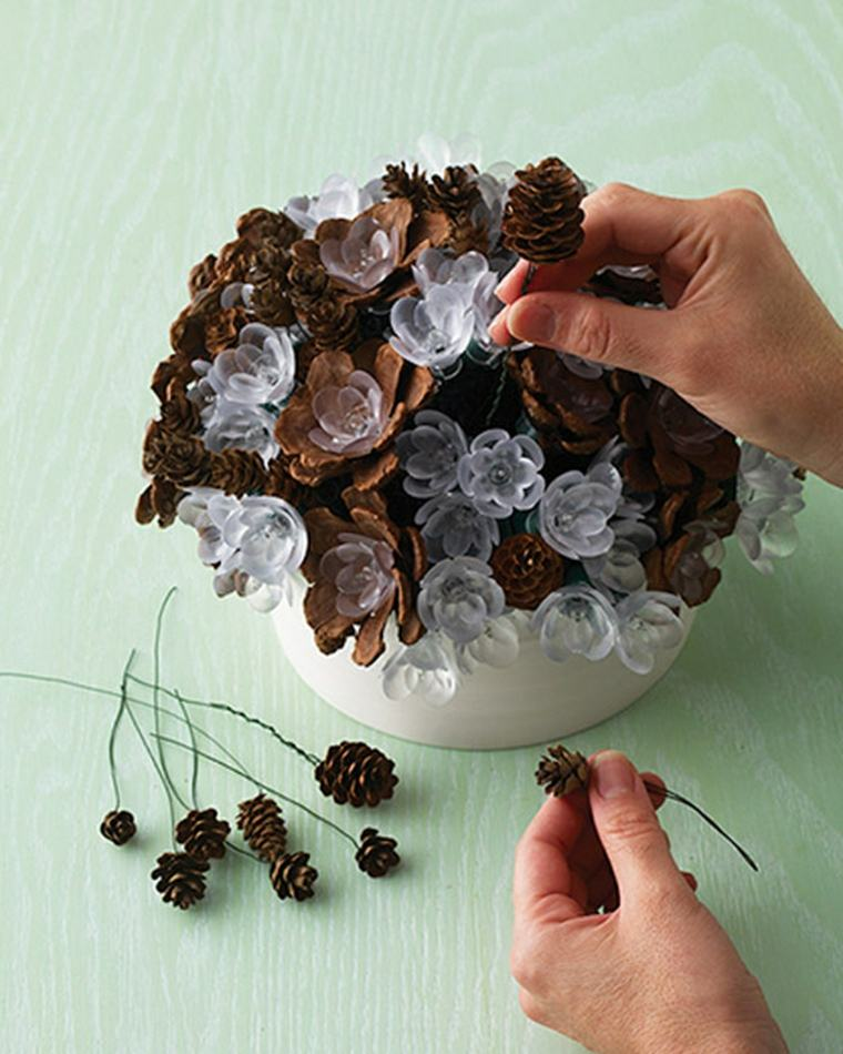Decorar con pi as para un interior oto al for Decoracion con hojas secas
