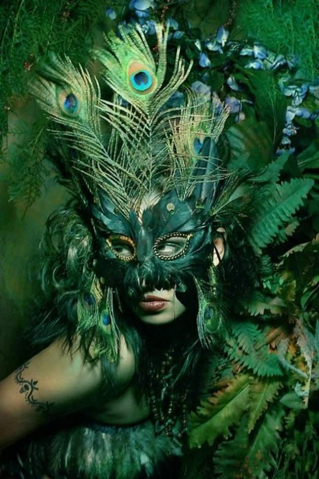 disfraces para halloween ideas verde mascara plumas