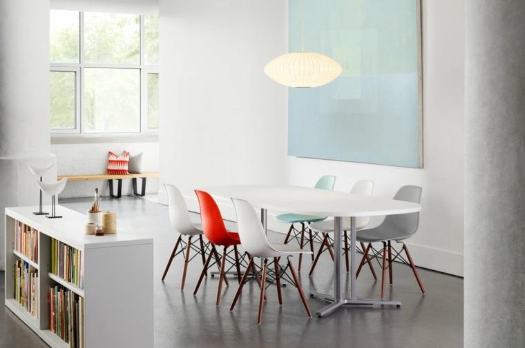 estupendo conjunto sillas Eames comedor
