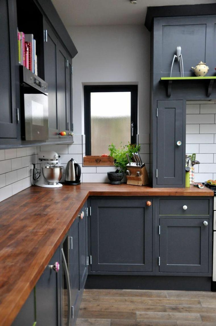 fotos de cocinas gabinetes negro madera pared losas ideas