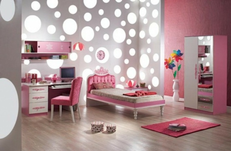 habitaciones para chicas pared decorada