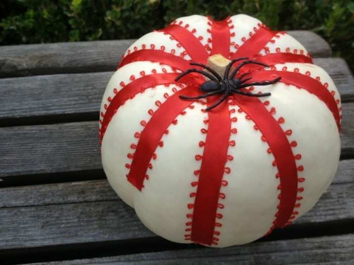Ideas para halloween soluciones sencillas y econ micas - Calabazas de halloween pintadas ...