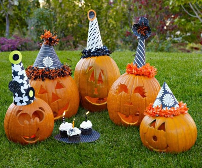 ideas para halloween jardines decoraciones sombreros