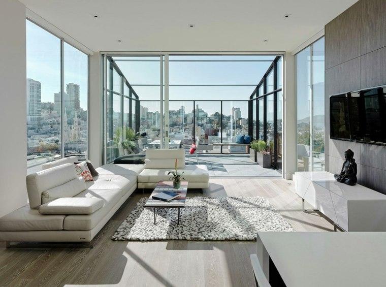interior moderno muy iluminado