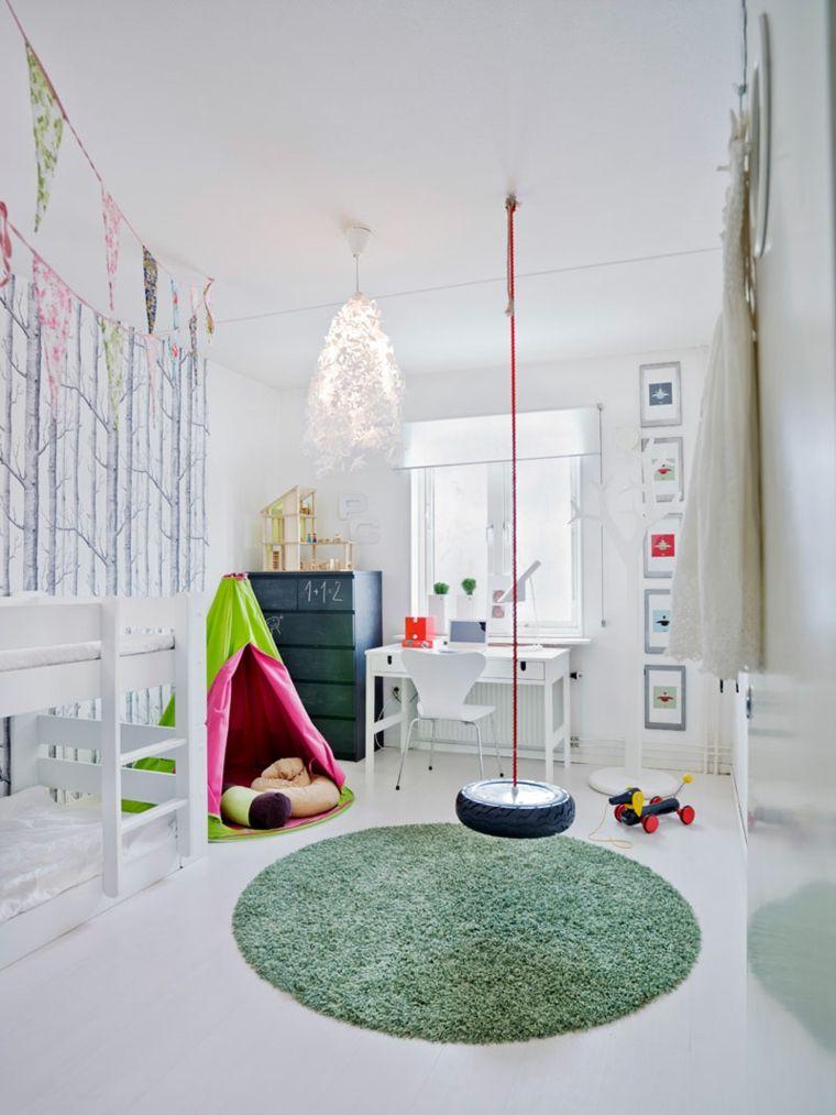 Juegos diarios en la habitación infantil diseñada por ti -