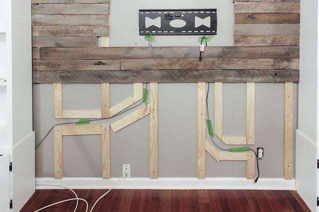 listones madera huecos cables