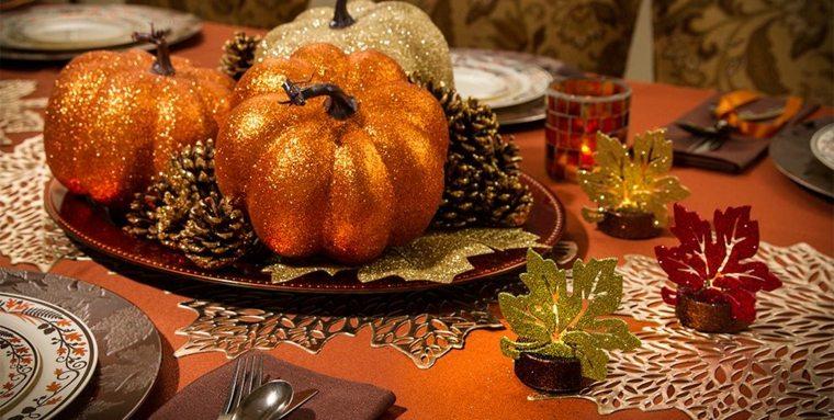 manualidades hojas otoño mesa