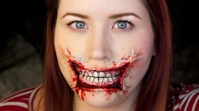maquillaje Halloween boca espantosa sangrienta