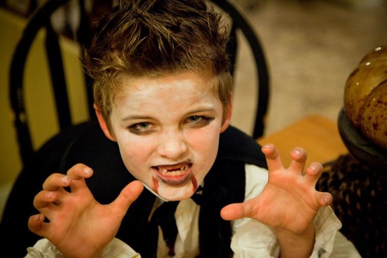 maquillaje de halloween para niños drácula