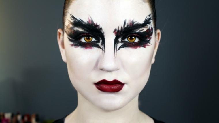 maquillaje de ojos negro