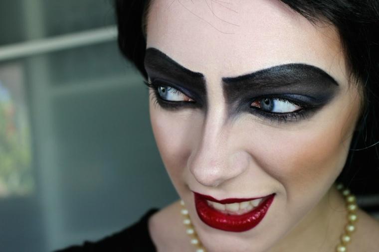 maquillaje en negro ojos