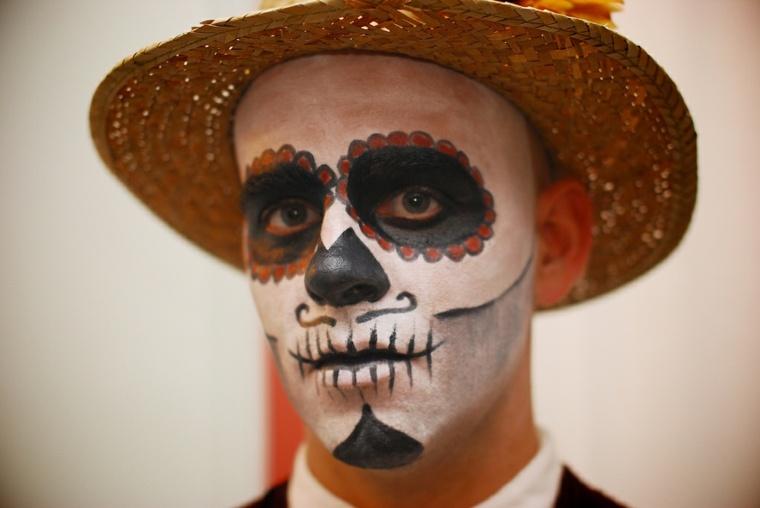 maquillaje para hombre esqueleto
