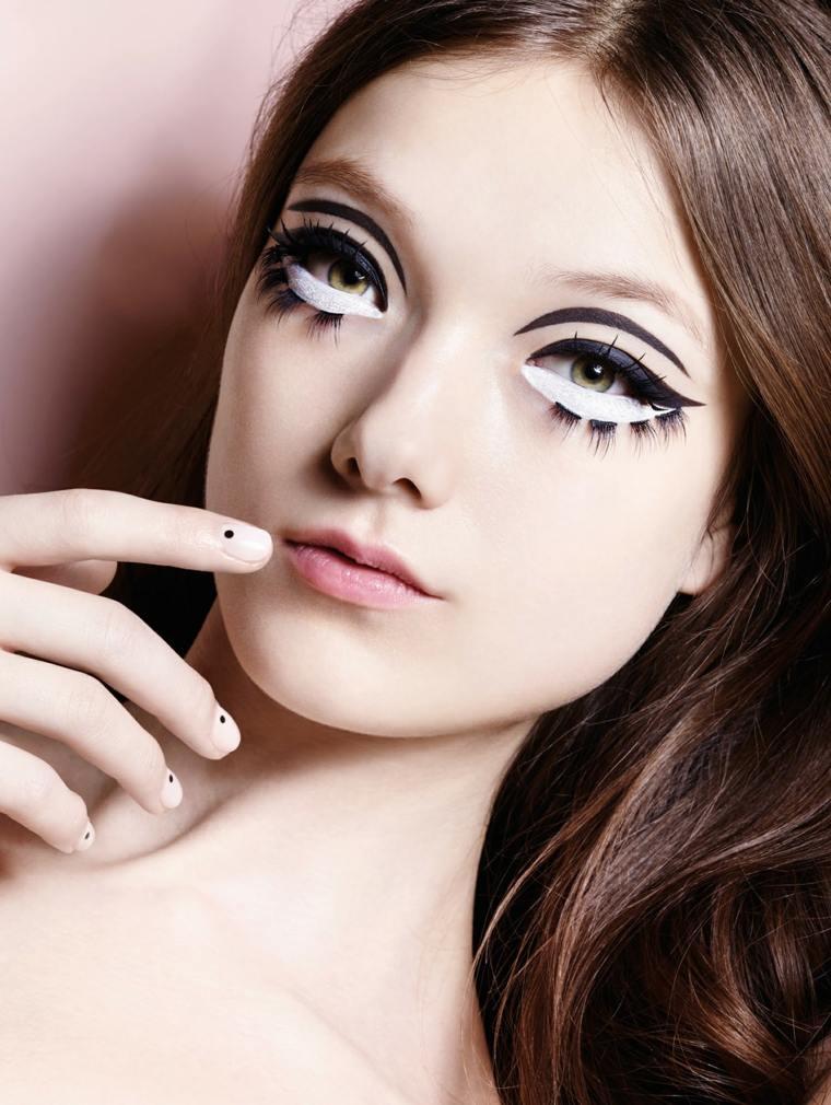 maquillajes de Halloween opciones blanco negro muneca ideas