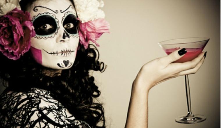 maquillarse para halloween esqueleto flores