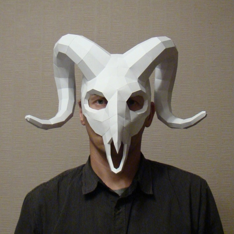 máscaras de halloween cuernos
