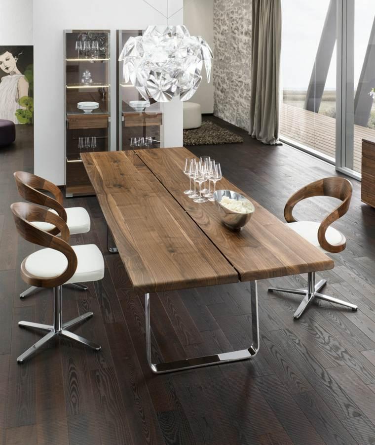 Mesas de madera un acento r stico para el comedor for Sillas comedor originales
