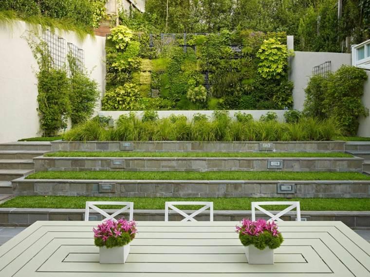patio diseño verdes plantas pendientes