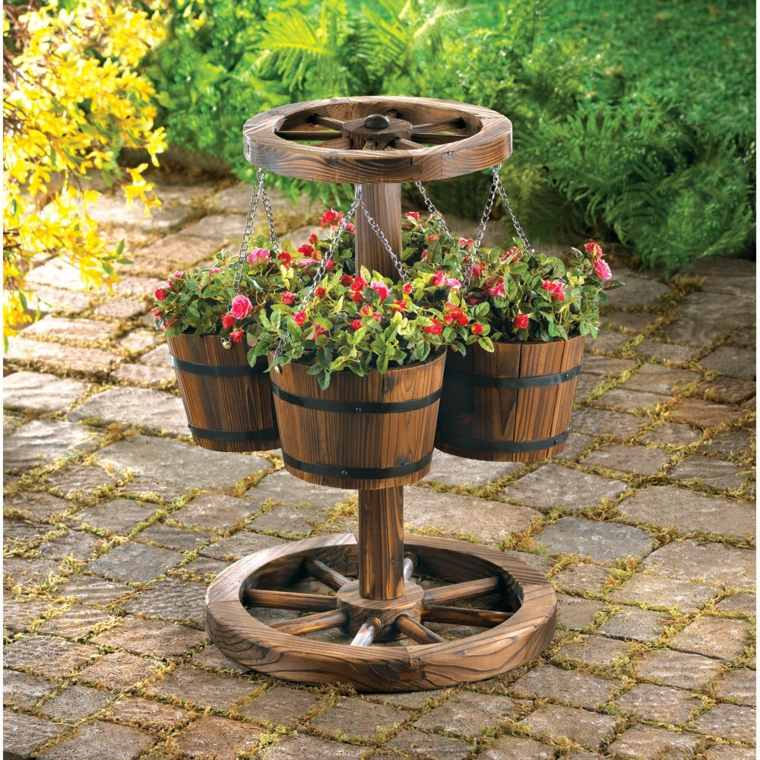 patios rústicos flores ruedas