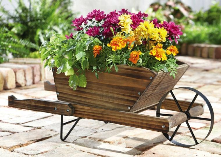Patios r sticos ideas estupendas para decorarlos for Zocalos rusticos para patios