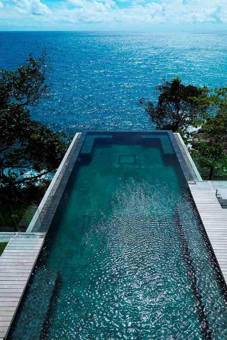 piscina rectangular descansar