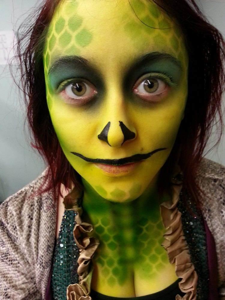 serpiente maquillaje estado verde amarillo