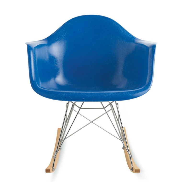 silla Eames de color azul