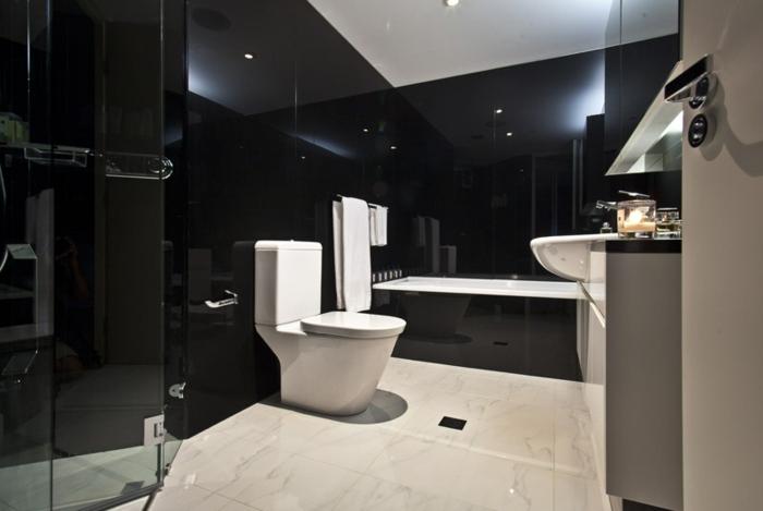 Cabinas De Baño Bello:El color negro es perfecto para un baño de lujo elegante y atractivo