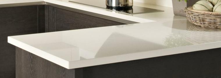 superficie encimera moderna blanca