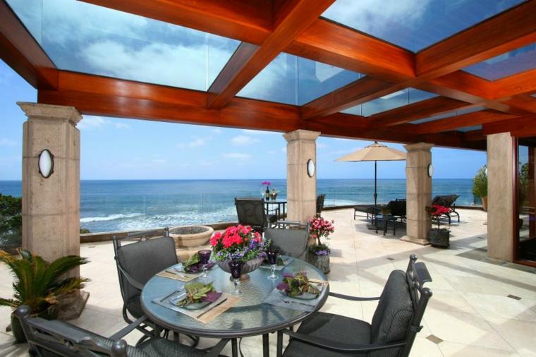 terraza lujosa techo madera vidrio