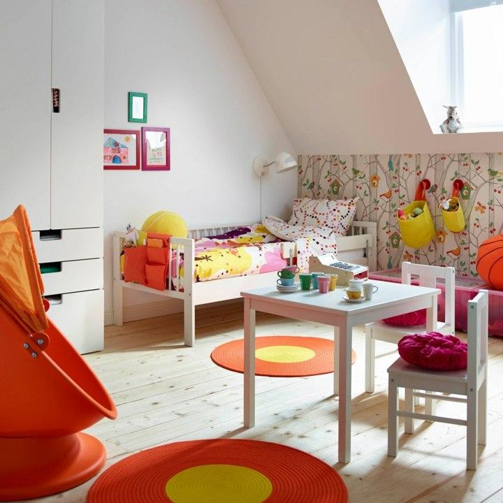 canastas paredes colorido armarios literas