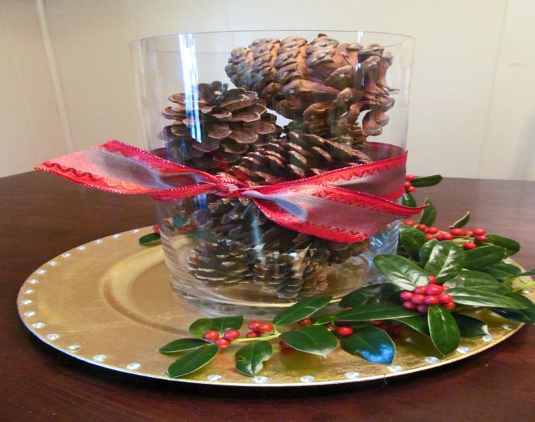 Pi as y hojas secas decora tu mesa para recibir el oto o - Centros de mesa con pinas ...