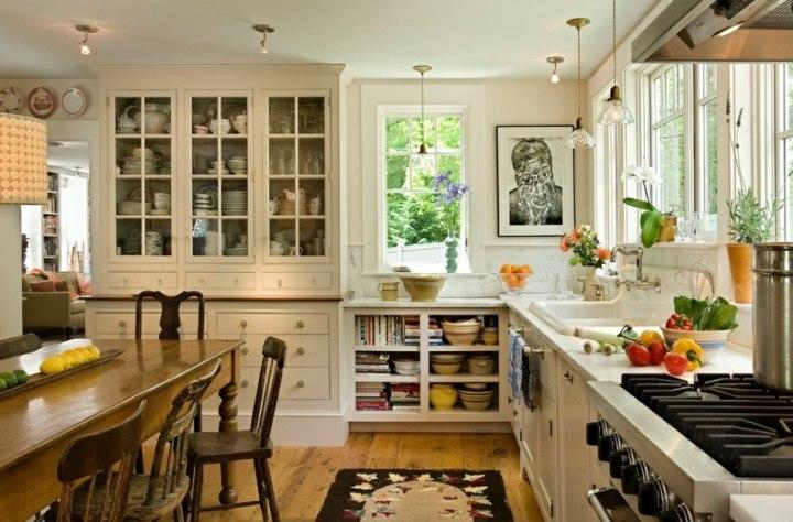 cocinas rusticas estantes cristales pequeña