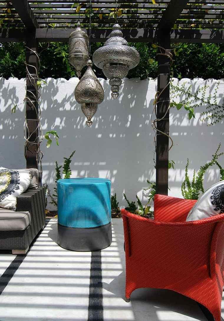 coloridos ambientes exteriores fuentes detalles