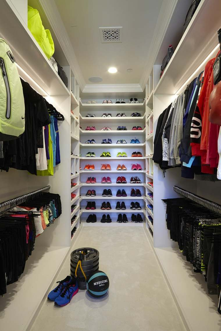 Ideas For Walk In Closet Layout