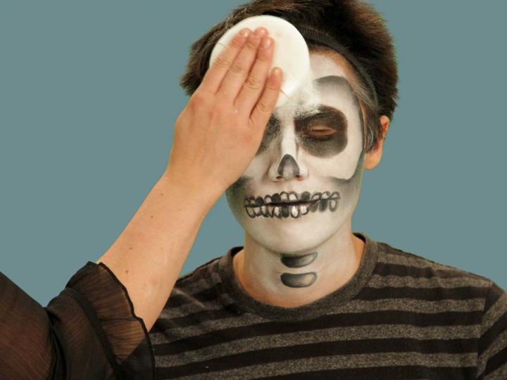 completando maquillage talco blanco efectos