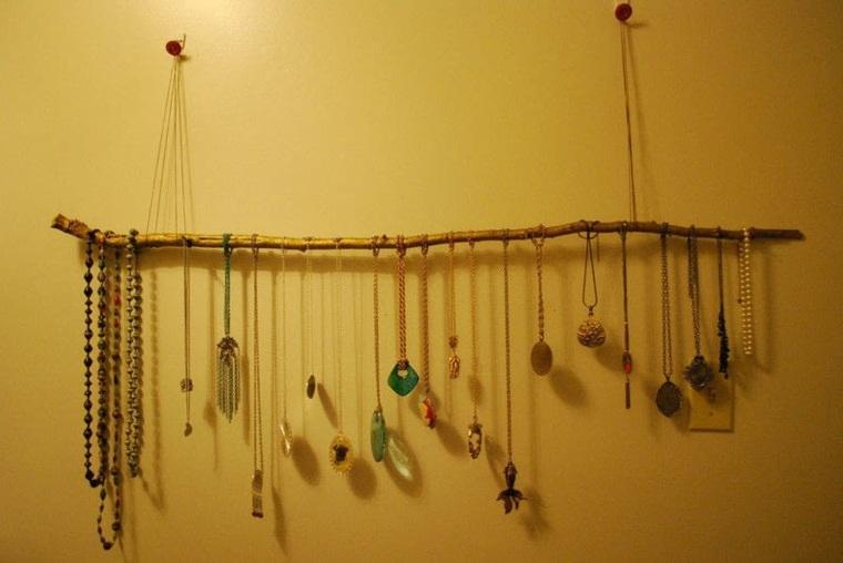 Percheros decorativos de ramas naturales 24 ideas - Perchero original pared ...