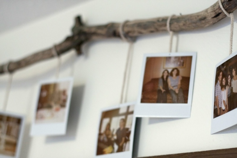 decorar pared fotos percha