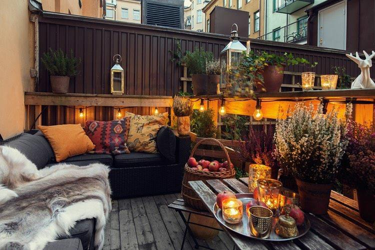 decoracion facil balcon otono iluminacion ideas