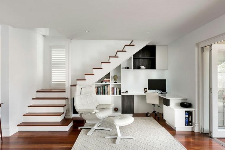 despacho sotano blanco y madera