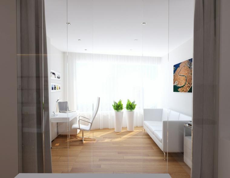Diseño interiores de despachos blancos amplios e iluminados -