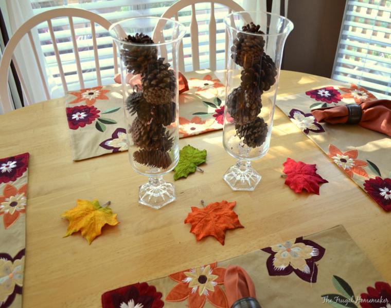 Pi as y hojas secas decora tu mesa para recibir el oto o - Pinas decoradas para navidad ...