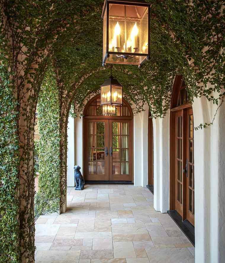 entrada mediterraneo estilo plantas fuentes