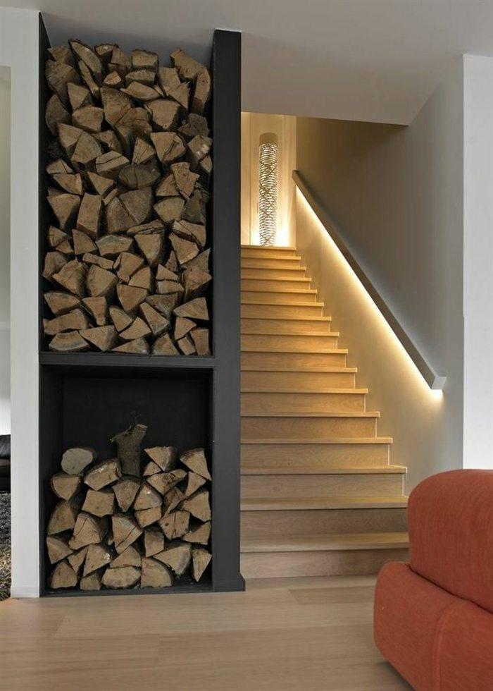 escaleras de madera lena luces baranda chimeneas