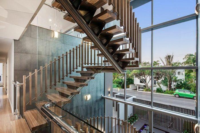 escaleras de madera metales cristales efectivas