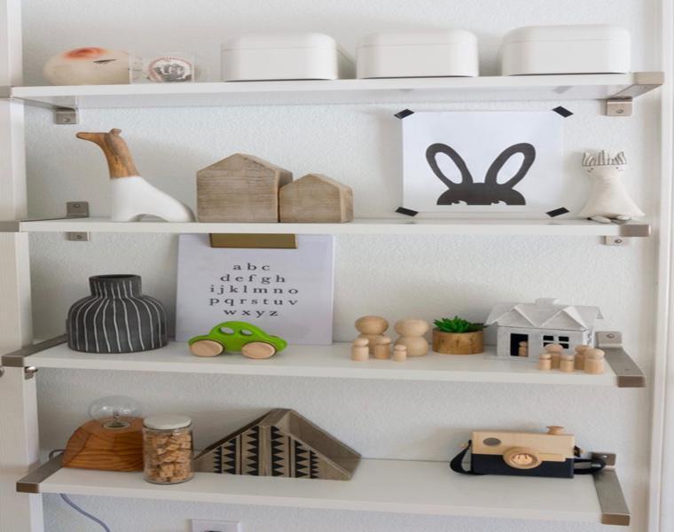 Dormitorio infantil divertido y moderno de urbanology for Objetos decorativos minimalistas