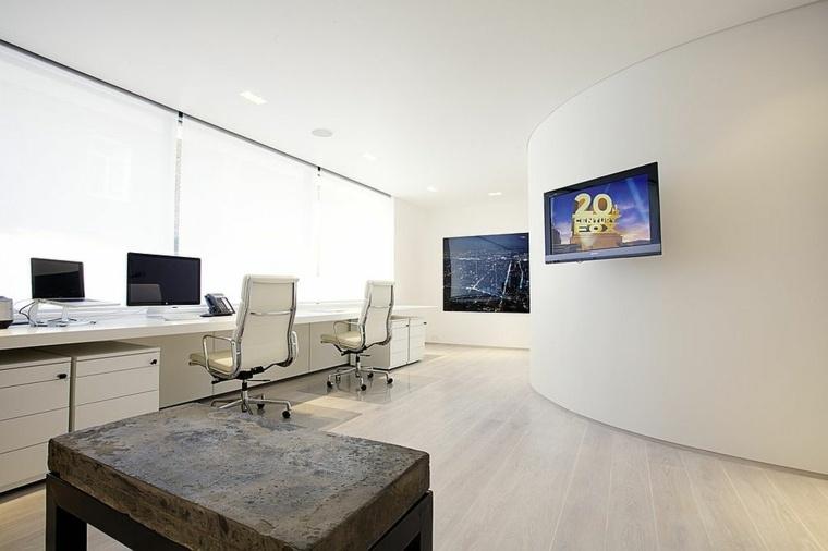 Dise o interiores de despachos blancos amplios e iluminados for Diseno de oficinas modernas en casa
