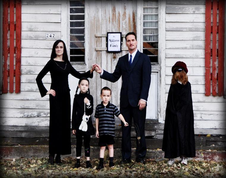 estupendos disfraces de familia adams