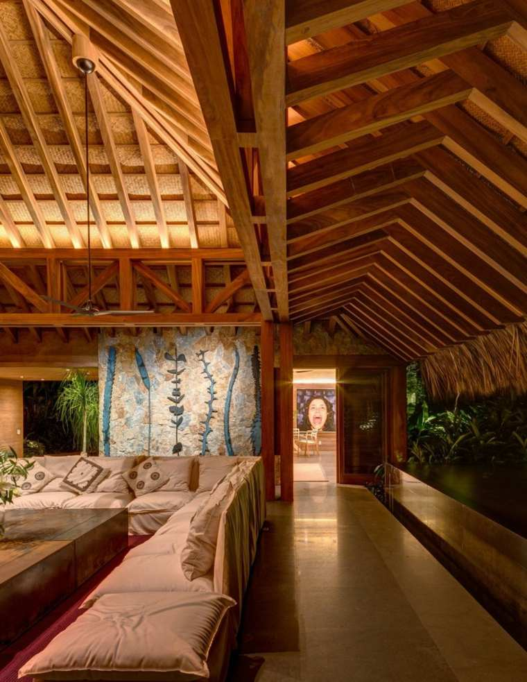 interior techos altos madra natural